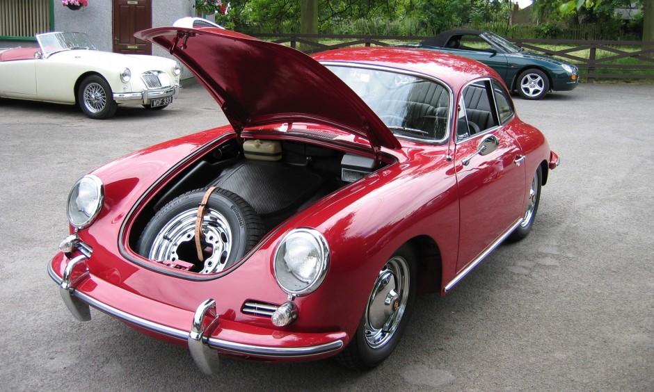Porsche 356 B under bonnet